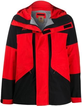 Nike ACG 2L windbreaker jacket
