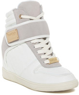 Bebe Carrier Sneaker