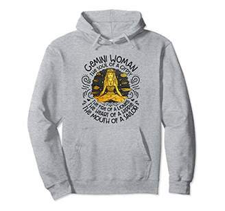 Gemini woman the soul of a gypsy the fire of a lioness Pullover Hoodie