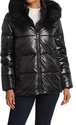 DKNY Short Cire Faux Fur Trim Puffer