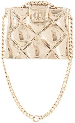 Chanel Pre Owned quilted bag brooch