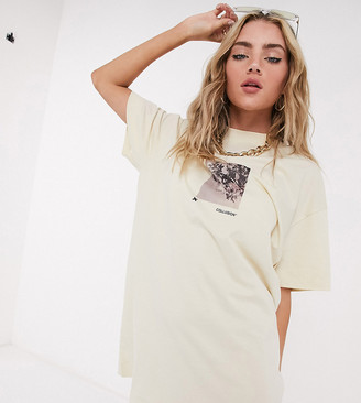 Collusion photographic print short sleeve t shirt dress in ecru