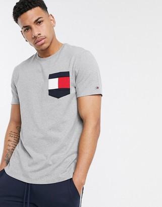Tommy Hilfiger casey pocket logo t-shirt in gray