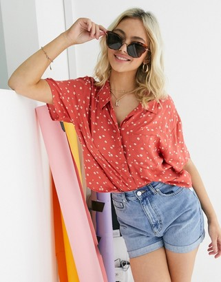 American Eagle cropped short sleeve shirt in red floral