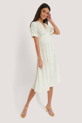 NA-KD Flower Printed V-Neck Dress