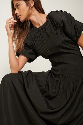 NA-KD Pintucked Dress