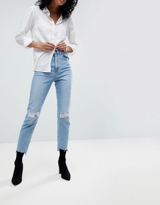 Asos Design DESIGN Farleigh high waisted slim mom jeans in light vintage wash with busted knee and rip & repair detail-Blue