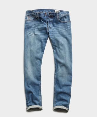Todd Snyder Straight Fit Japanese Stretch Selvedge Jean in Medium Indigo