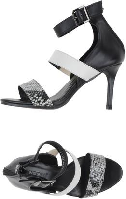 Suncoo Sandals