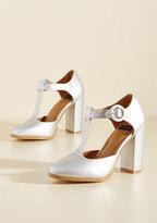 NYLA Shoes Inc. Retro Reaction Vegan Heel in Mercury