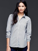 Gap Fitted boyfriend stretch poplin shirt