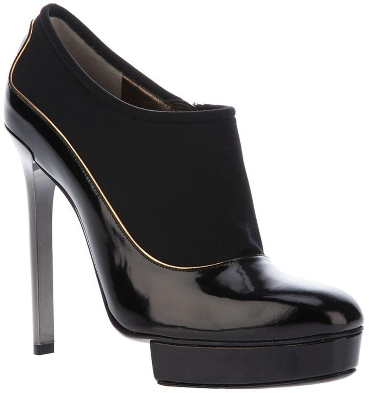 Lanvin stiletto pump