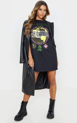PrettyLittleThing Black Le Monde Printed Oversized T-Shirt Dress