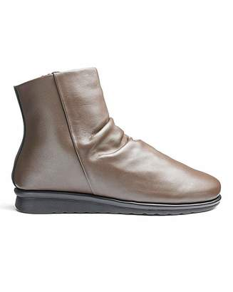 Cushion Walk Leather Ankle Boots E Fit