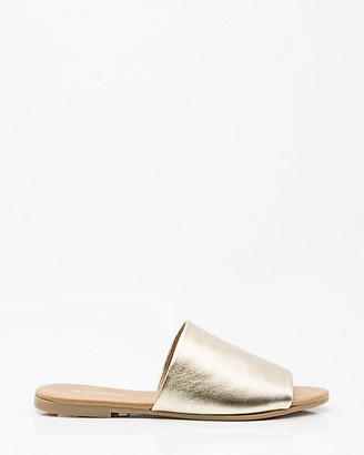 Le Château Leather Single Band Slide Sandal