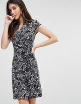 Liquorish Monochrome Leaf Print D Ring Dress