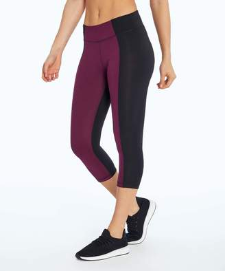 Marika Sport Women's Active Pants BLACK/PICKLED - Black & Pickled Beets Color Block Frame Dry-Wick Mid-Rise Capri Leggings - Women