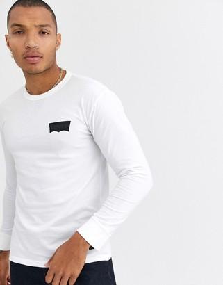 Levi's Levis Skateboarding Skateboarding Graphic long sleeve t-shirt in white