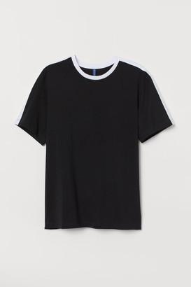 H&M T-shirt with Panels - Black
