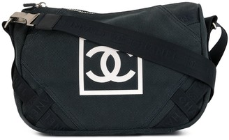 Chanel Pre Owned 2005 Sports logo shoulder bag