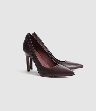 Reiss MADDY SNAKE DETAILED LEATHER COURT SHOES Pomegranate