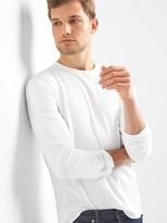 Gap Essential Long-sleeve Crewneck T-shirt