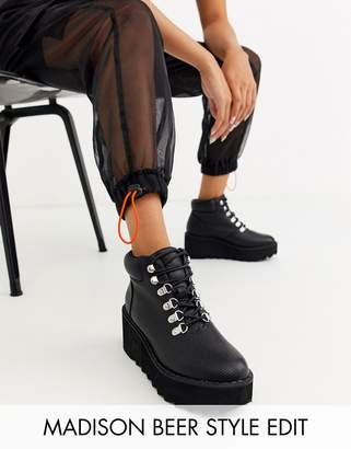 Asos Design DESIGN Astroid chunky hiker wedge lace up ankle boots-Black