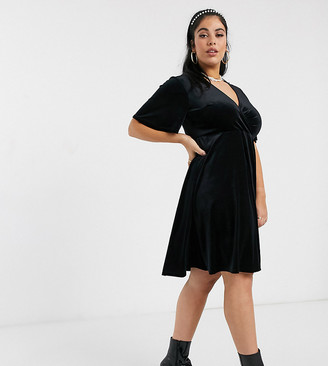 New Look Plus New Look Curve velvet v-neck mini dress in black
