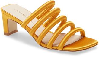 INTENTIONALLY BLANK Willow Slide Sandal