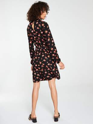 Very High Neck Shirred Detail Dress - Red Floral