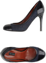 Marc Jacobs Closed-toe slip-ons
