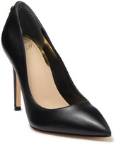 GUESS Crew Leather Pump