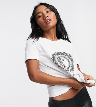 Only Petite motif T-shirt in white