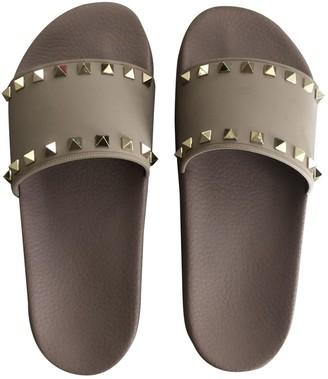 Valentino Rockstud Beige Rubber Sandals