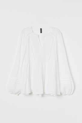 H&M Crinkled Lace-trimmed Blouse