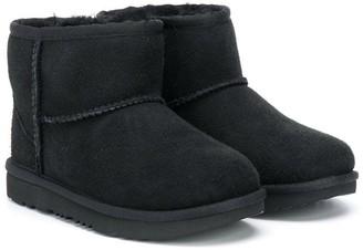 Ugg Kids Classic Mini shearling boots