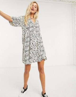 Noisy May shirt smock mini dress in abstract marble print