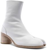 Maison Margiela Ankle Tabi in White | FWRD