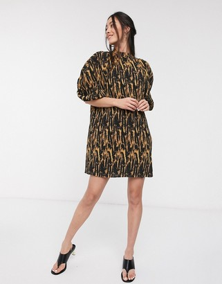 GHOSPELL mini dress with puff sleeves in abstract animal print plisse