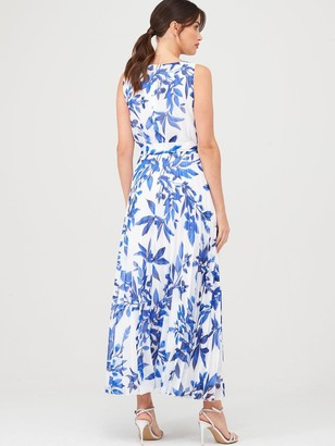 Wallis Sprayed Floral Pleat Dress - Ivory