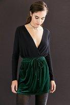 Silence & Noise Silence + Noise Velvet Tie-Waist Mini Skirt