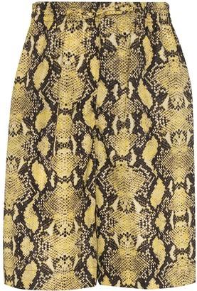 Cmmn Swdn Cody snake print shorts