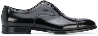 Doucal's shine effect lace-up Oxford shoes