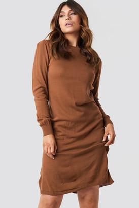 Trendyol Tile Round Neck Midi Dress