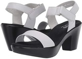 Munro American Willa (Off-White) Women's Sandals