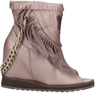 AKY Ankle boots