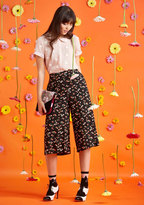 Eye-Catching Mastery Pants in Black Bloom in XXS