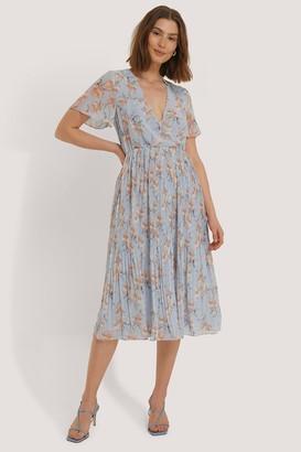 NA-KD Wrap Pleated Midi Dress