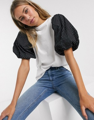 Influence t-shirt with puff polka dot sleeve