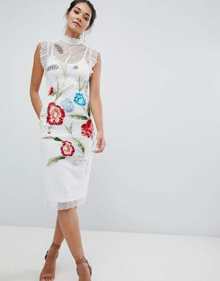Hope & Ivy Floral Embroidery Midi Dress-White